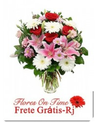 020-arranjo de flores bem alegre