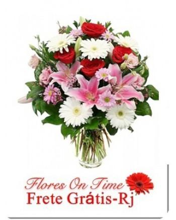 005-arranjo de flores bem alegre