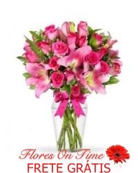 025-Arranjo de lirio e rosas