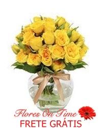 028-arranjo de rosas amarelas